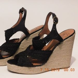 Lucky Brand Ridgeview Crochet Wedge black size 10